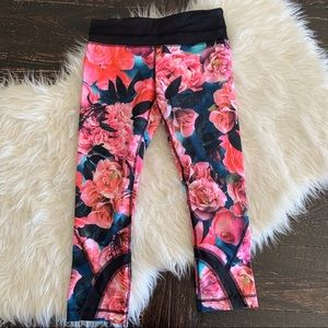 Lululemon secret garden crop floral rose leggings